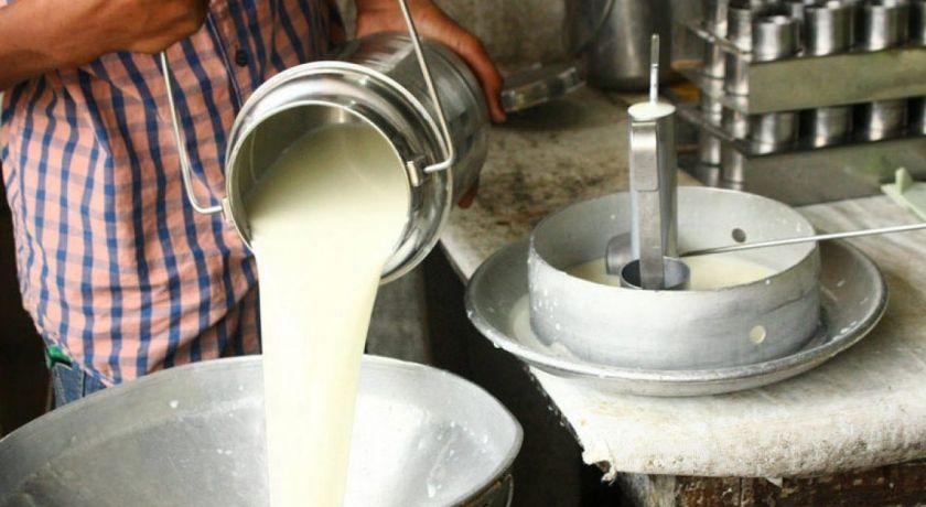 CEPEA: Preço ao produtor sobe pelo 2º mês seguido e volta a fechar acima de R$ 2,00/litro