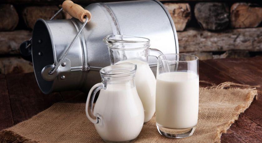Indústria e varejo fazem preço do leite subir nos mercados em meio à crise
