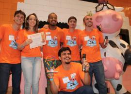 Equipamento que afere volume e temperatura do leite vence Desafio de Startups da Embrapa Gado de Leite